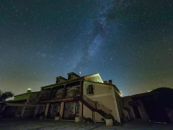 Hotel Pictures: Hotel Rural Sierra de San Pedro, Herreruela