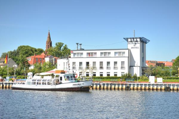 Hotel Pictures: HafenHotel PommernYacht, Ueckermünde