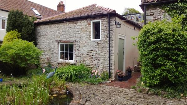 Hotel Pictures: Longbridge Cottage, Shepton Mallet