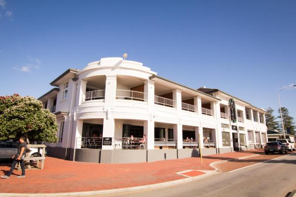 Foto Hotel: Cottesloe Beach Hotel, Perth