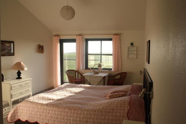 Hotel Pictures: Bakkelund Bed & Breakfast, Borre