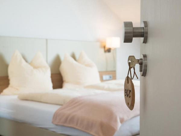 Hotel Pictures: Brandmayerhof, Oberding