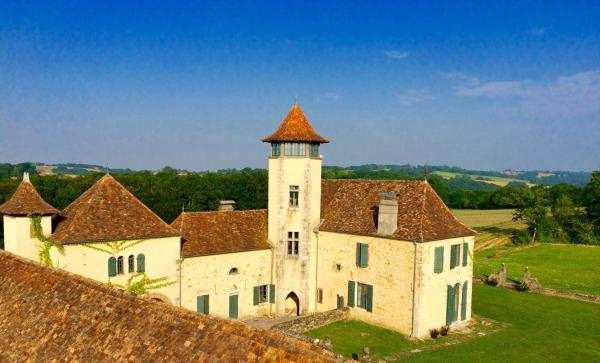 Hotel Pictures: Château de Baylac, Bugnein