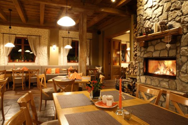 Hotel Pictures: Hotel a restaurace Palfrig, Stará Ves nad Ondřejnicí