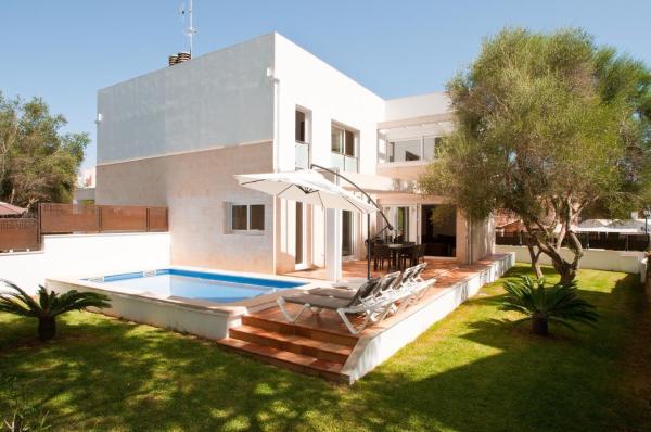 Hotel Pictures: Villa Ferrera Select A, Cala Ferrera