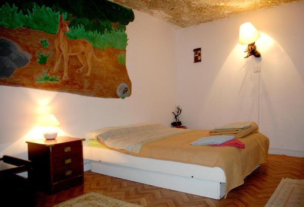 Hotel Pictures: Camino Art Hostel, Hoya de Pineda