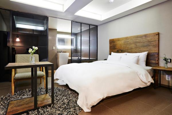 Standard  Double Room - New Tower R