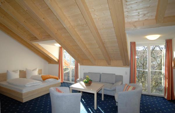 Hotel Pictures: Landhaus Sixtmühle, Taufkirchen