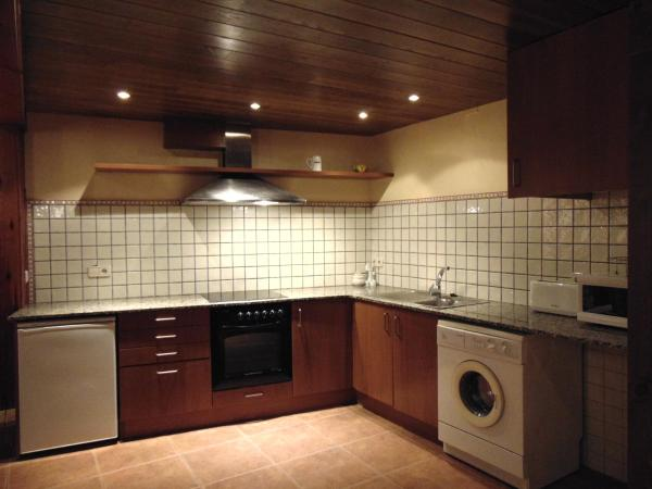 Hotel Pictures: Apartaments Piteus Casa Dionis, Sant Llorenc de Morunys