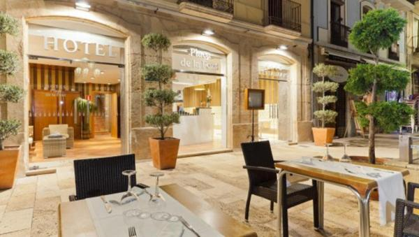Hotel Pictures: Plaça De La Font, Tarragona