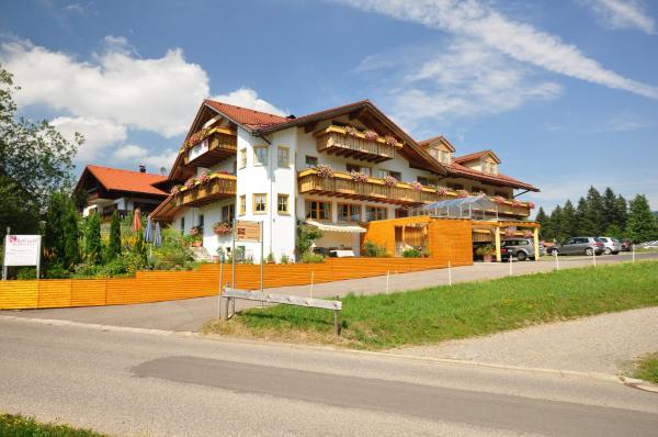 Hotel Pictures: Berghüs Schratt - vegetarisches und veganes Biohotel, Oberstaufen