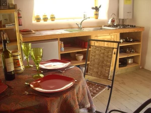 Hotel Pictures: La Casita Narnia Lodgings, Zafarraya