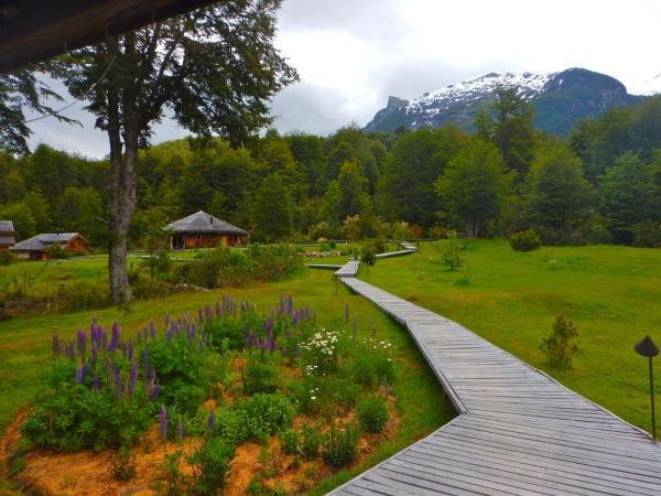 Hotel Pictures: Tineo Patagonia, Futaleufú