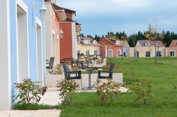 Hotel Pictures: , Saulx-les-Chartreux
