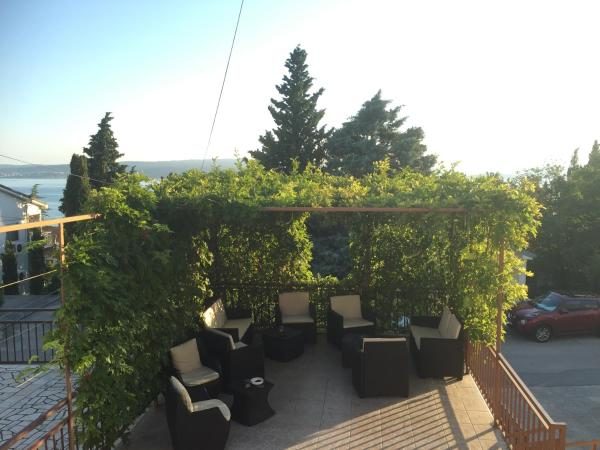 Fotos de l'hotel: Apartments Lara, Dramalj