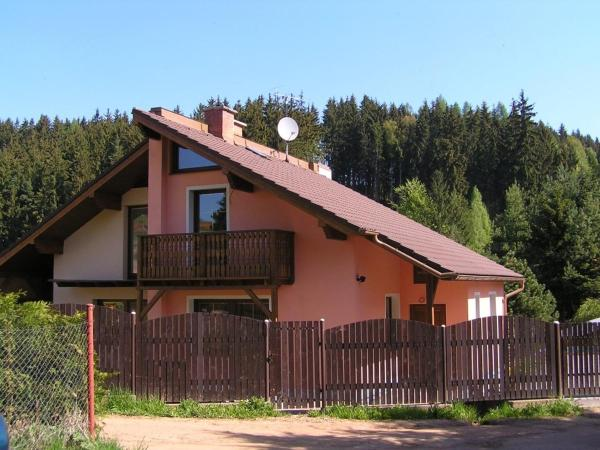 Hotel Pictures: Holiday Home in Dolce u Trutnova with Two-Bedrooms 1, Oblanov