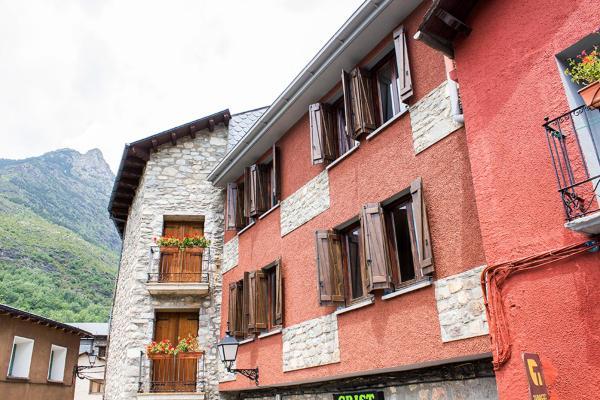Hotel Pictures: Apartamentos Grist, Eriste
