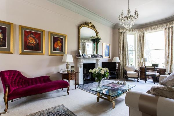 Four-Bedroom Apartment - Elgin Crescent VIII