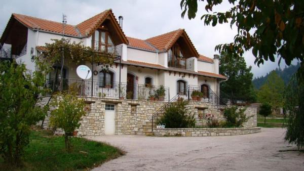 Отдельный дом в Карпенисион