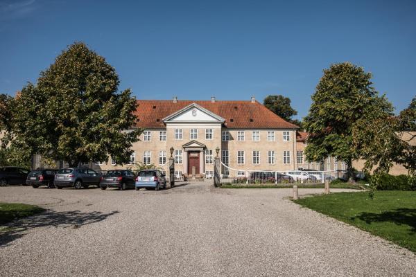 Hotel Pictures: Skjoldenæsholm Hotel, Jystrup