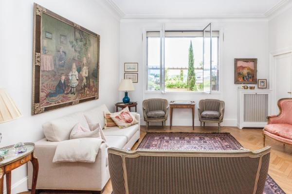 One-Bedroom Apartment - Rue Raynouard