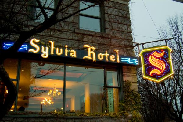 Hotel Pictures: The Sylvia Hotel, Vancouver
