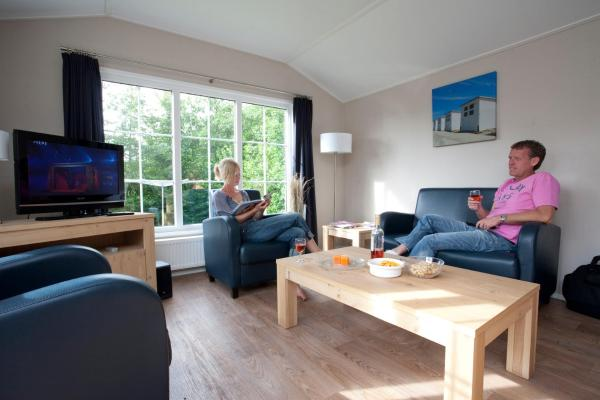 Deluxe Chalet (6 Adults)