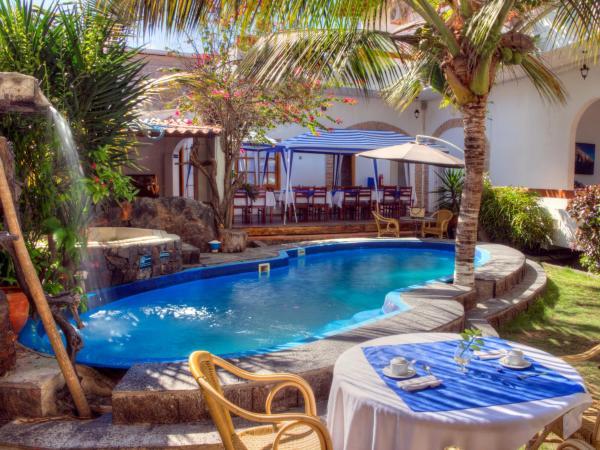 Hotel Pictures: Hotel Albemarle, Puerto Villamil