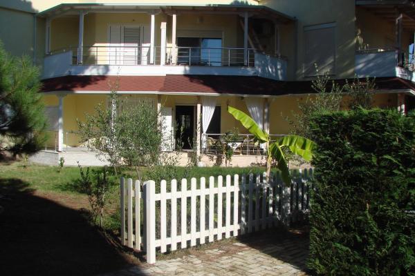 Hotellikuvia: Cozy Beach House, Lalzi Bay, Fushë-Draç
