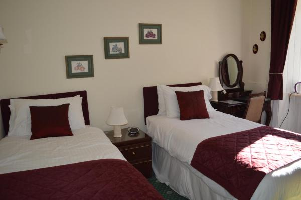 Standard Double or Twin Room (private bathroom)