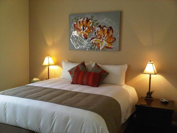 Two-Bedroom Villa with Spa Bath