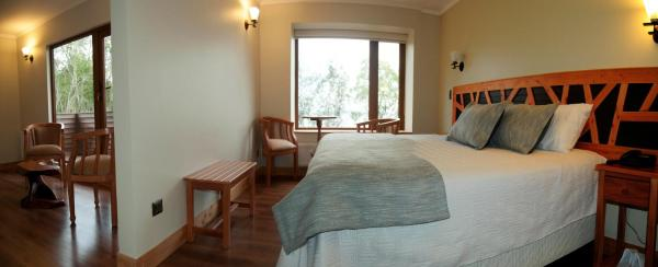 Suite Deluxe Room with Bathroom