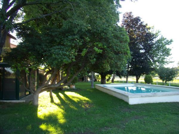 Hotel Pictures: Cardelines, Raphèle