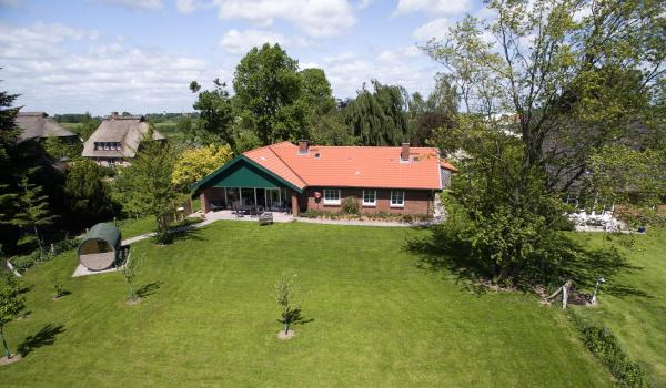 Hotel Pictures: Ferienhaus Markerup, Husby