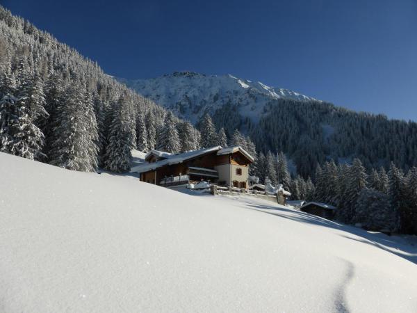 Hotel Pictures: Berghaus Alpenrösli, Klosters