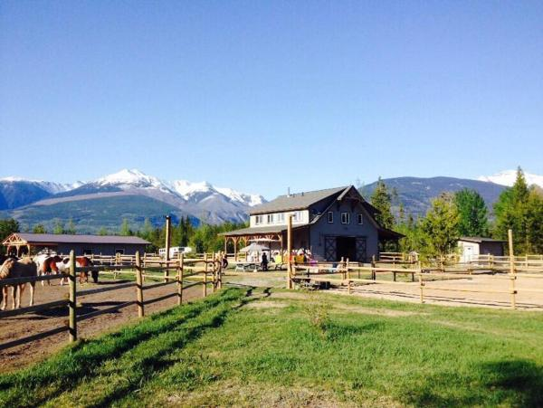 Hotel Pictures: Willow Ranch Valemount, Valemount