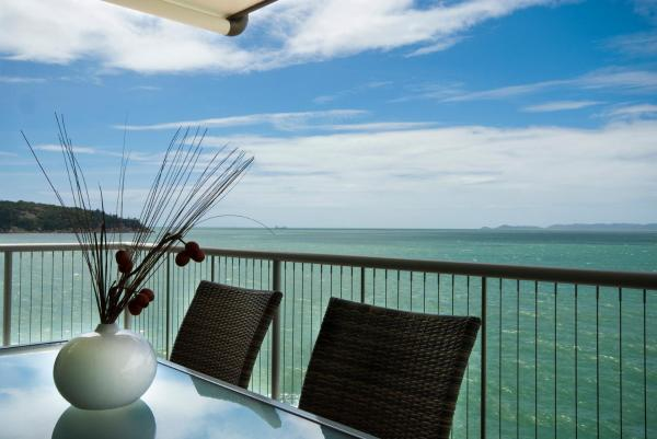 Hotel Pictures: Bright Point Private Apartments, Nelly Bay