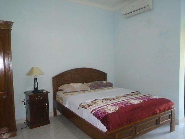 Deluxe Double Room with Balcony - Free Return Airport Transfer