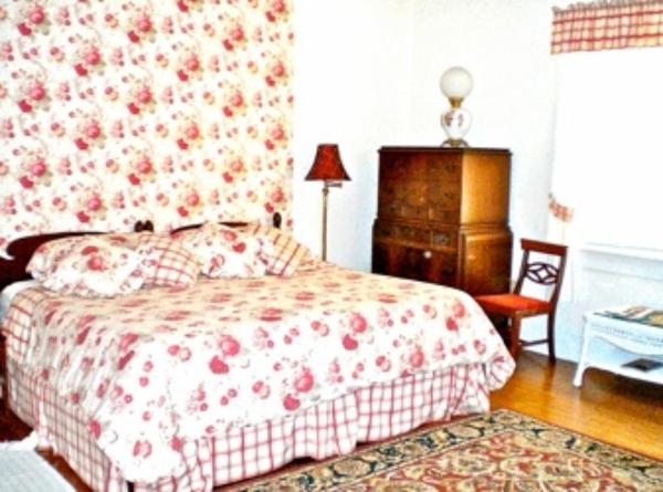 King Room with Twin Bed