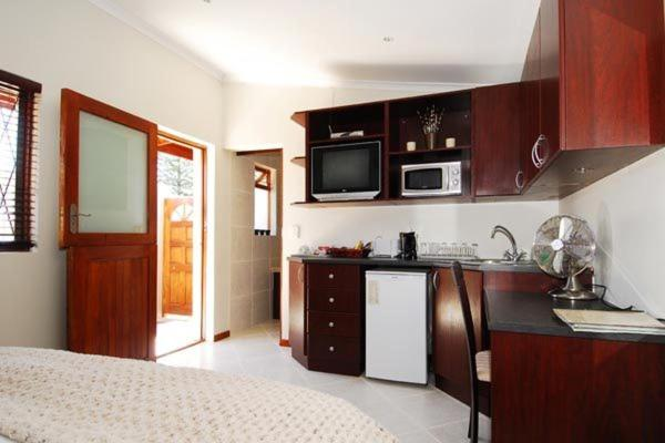 Double Room with Kitchenette - Room B