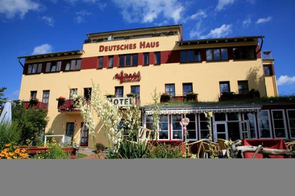 Hotel Pictures: Hotel Deutsches Haus, Wustrow