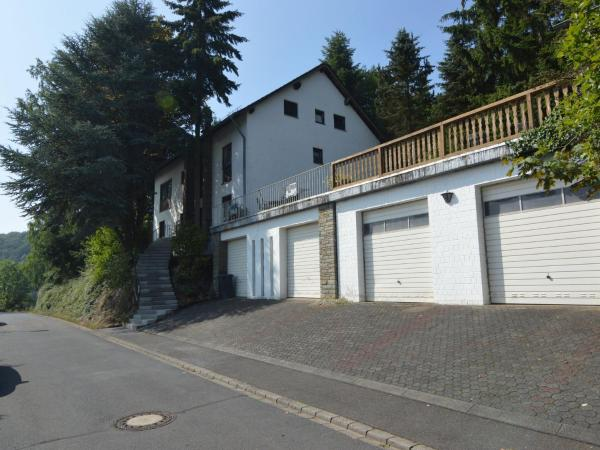 Hotel Pictures: Holiday home Eifel Natur, Immerath