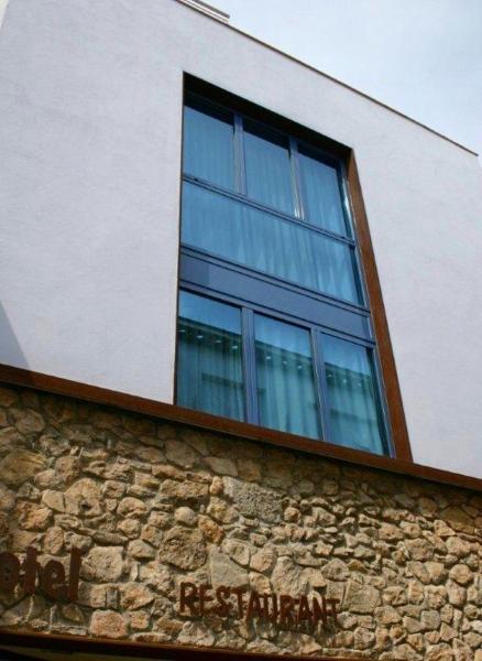 Hotel Pictures: Hotel Marisqueria Cal Tet, LEstartit