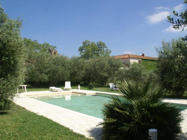 Hotel Pictures: , Autignac