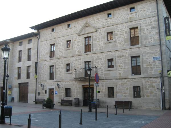 Hotel Pictures: , La Puebla de Arganzón