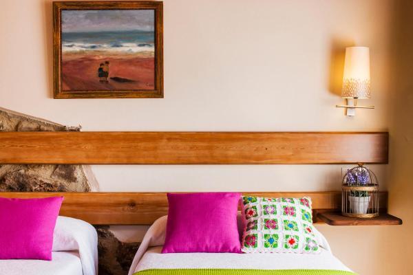 Hotel Pictures: Casas La Xiuca, Corras de la Puente
