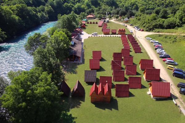 Hotellikuvia: Rafting Center Drina Tara, Bastasi