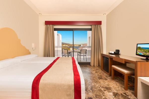 Double or Twin Room with Side Sea View