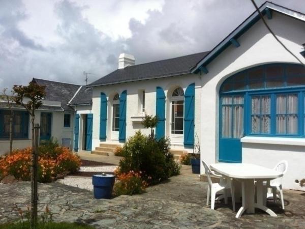 Hotel Pictures: Rental Villa Maison Avec 2 Logements Independants Communiquants 1 Km Plage, Saint-Jean-de-Monts