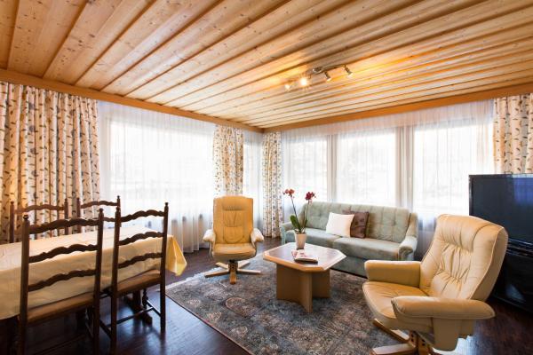Hotel Pictures: Wohnung Chasa Pragrond, Samnaun